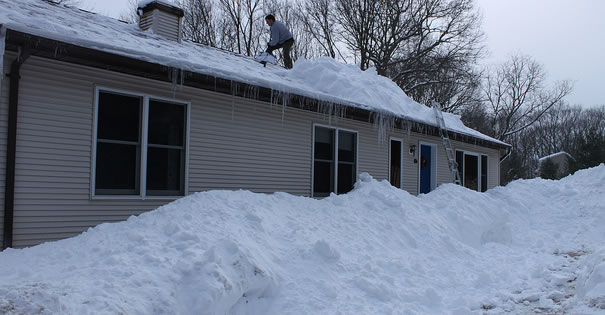 south-jersey-shovel-off-roof-snow-removal-helper-blackwood-nj-gloucester-twp-locals