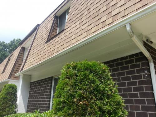 apartment-gutter-flowing-correctly-nj