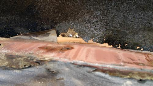 rusty-commerial-gutter-system-nj