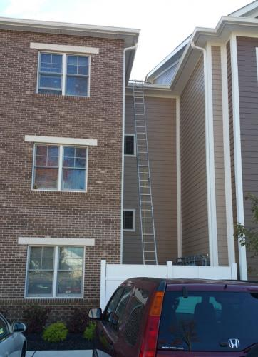 3story-gutter-cleaning-asso
